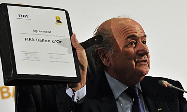 Sepp Blatter mit der FIFA Ballon d'Or Vereinbarung