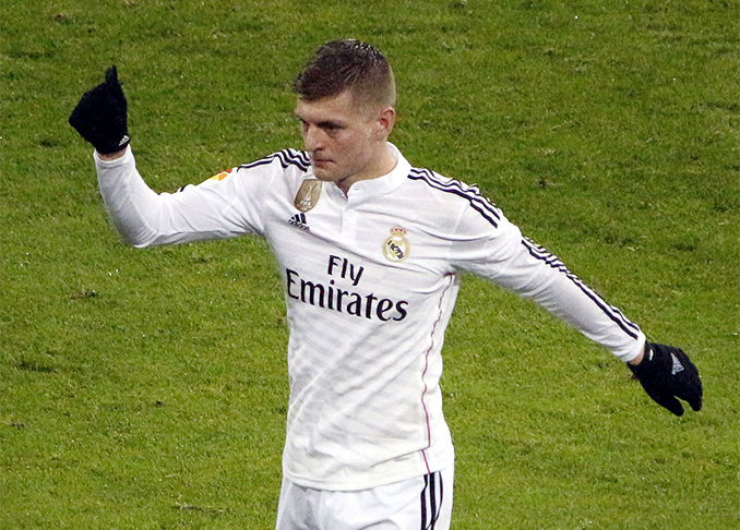 Toni Kroos 2015 (Foto: © DSanchez17 / CC BY 3.0 / via Wikimedia Commons)